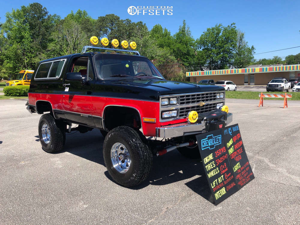 """1990 Chevrolet Blazer Aggressive > 1"""" outside fender on 17x9 -6 offset Pro Comp Series 69 & 37""""x12.5"""" Pro Comp A/t Sport on Suspension Lift 8"""" - Custom Offsets Gallery"""