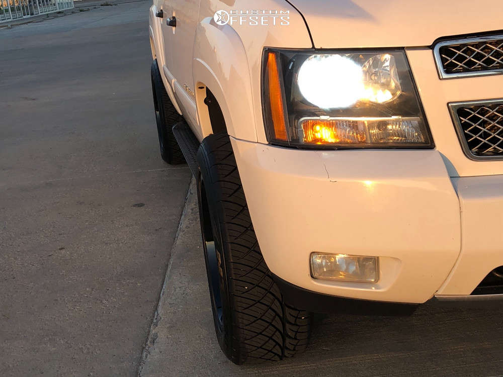 """2008 Chevrolet Avalanche Aggressive > 1"""" outside fender on 20x10 -25 offset Toxic Punisher & 275/55 Nitto Nt420s on Leveling Kit - Custom Offsets Gallery"""