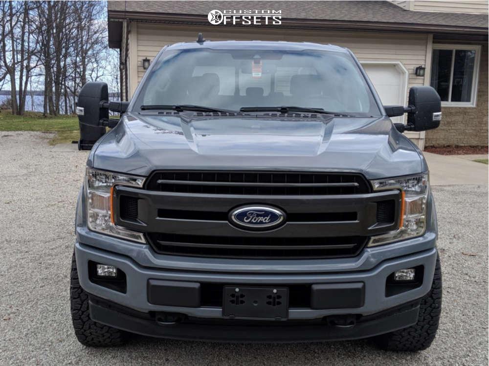 """2019 Ford F-150 Aggressive > 1"""" outside fender on 20x10 -24 offset XD Heist & 285/55 BFGoodrich All Terrain TA KO2 on Leveling Kit - Custom Offsets Gallery"""