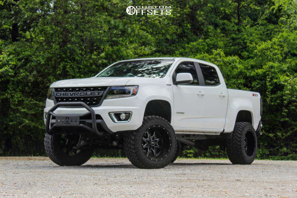 """2018 Chevrolet Colorado Aggressive > 1"""" outside fender on 20x12 -44 offset Moto Metal Mo970 & 305/55 Nitto Trail Grappler on Suspension Lift 6"""" - Custom Offsets Gallery"""