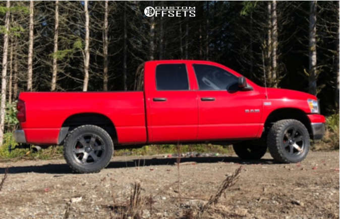 """2008 Dodge Ram 1500 Aggressive > 1"""" outside fender on 20x10 -18 offset Fuel Beast and 33""""x12.5"""" Toyo Tires Open Country M/T on Leveling Kit - Custom Offsets Gallery"""