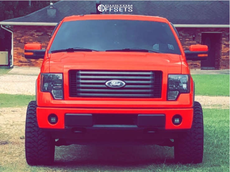 """2011 Ford F-150 Aggressive > 1"""" outside fender on 22x12 -44 offset Fuel Stroke and 33""""x12.5"""" Comforser Cf3000 on Leveling Kit - Custom Offsets Gallery"""