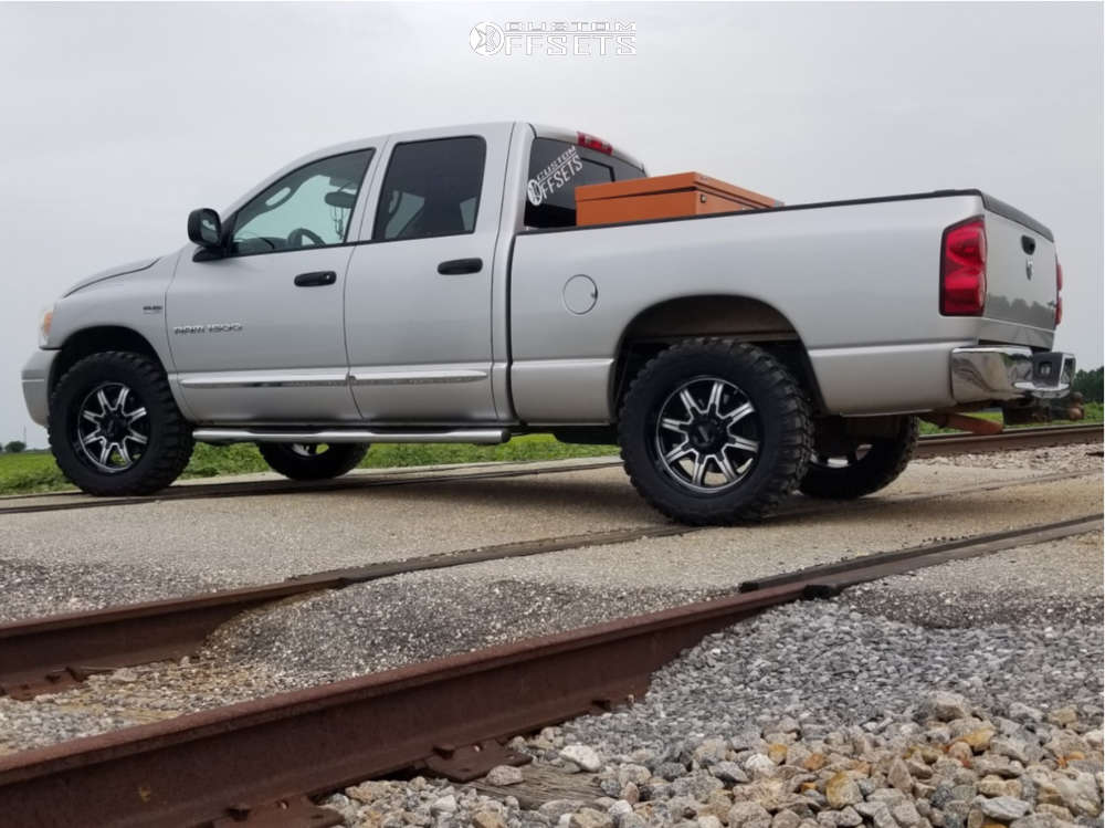 """2007 Dodge Ram 1500 Aggressive > 1"""" outside fender on 20x9 1 offset Ultra Menace & 33""""x12.5"""" Federal Couragia Mt on Stock Suspension - Custom Offsets Gallery"""