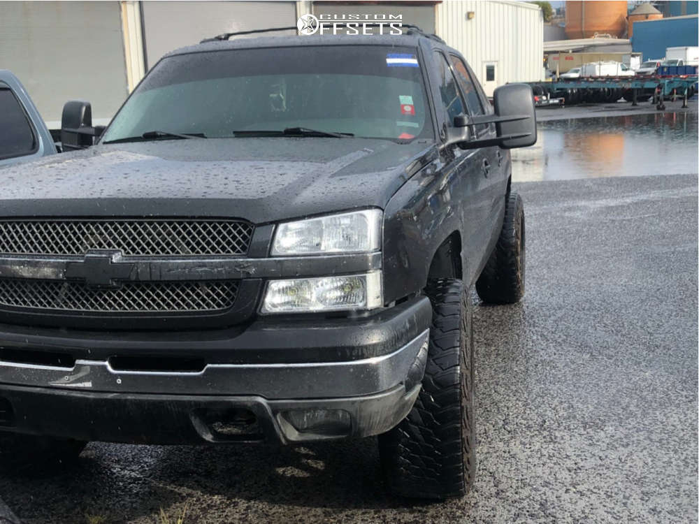 "2004 Chevrolet Avalanche 1500 Aggressive > 1"" outside fender on 20x12 -44 offset Xd XD825 & 35""x12.5"" Kanati Mud Hog on Leveling Kit - Custom Offsets Gallery"