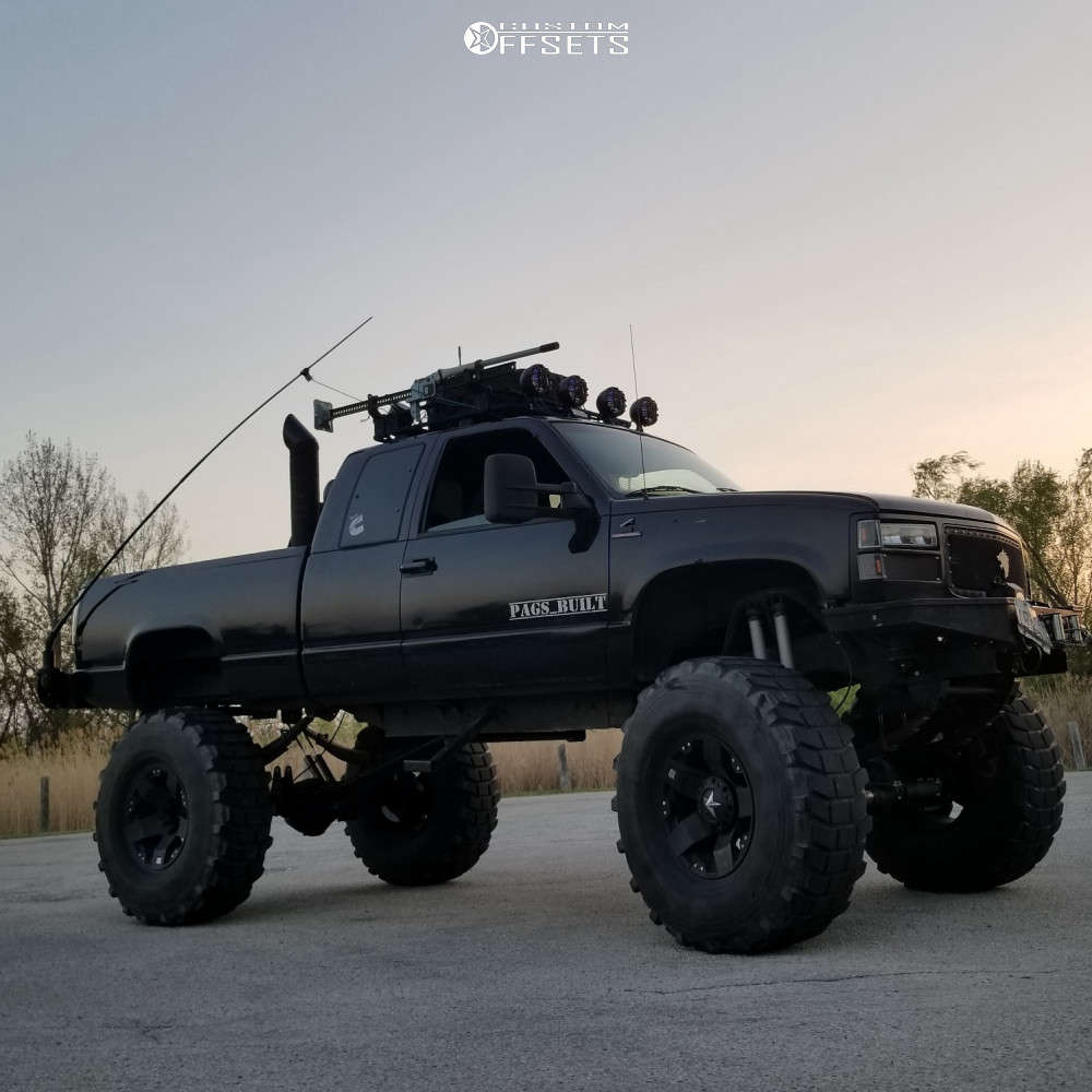 """1997 Chevrolet K1500 Aggressive > 1"""" outside fender on 20x12 -44 offset Xd Xd775 & 395/85 Michelin Xl on Lifted >12"""" - Custom Offsets Gallery"""