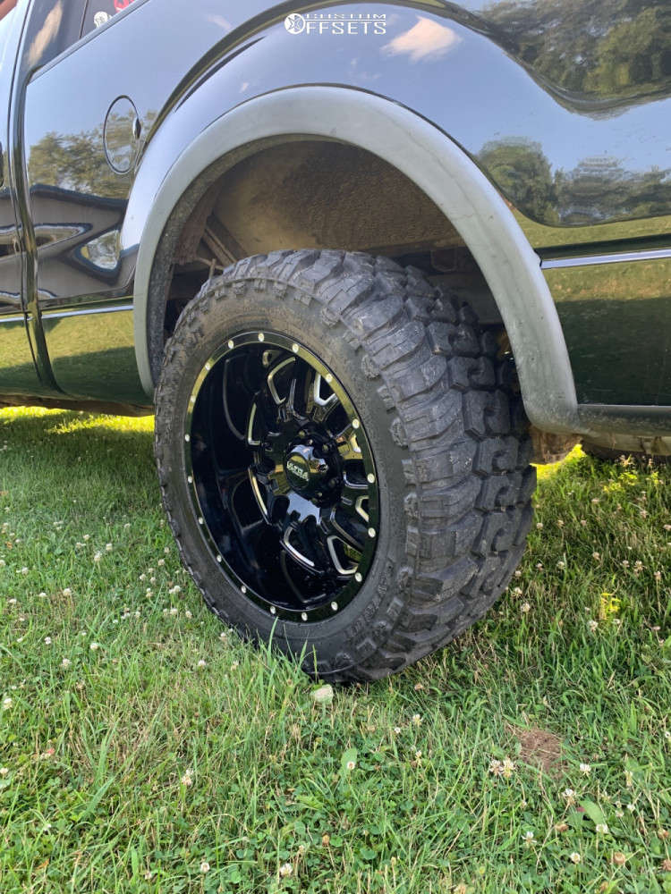 """2009 Ford F-150 Aggressive > 1"""" outside fender on 20x10 -25 offset Ultra Hunter and 33""""x12.5"""" Patriot M/t on Leveling Kit - Custom Offsets Gallery"""
