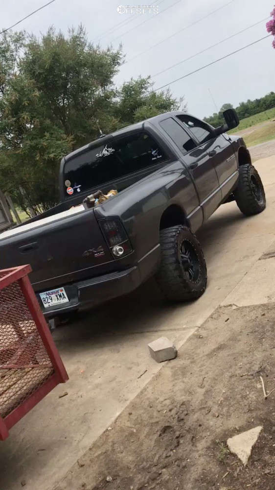 """2003 Dodge Ram 1500 Aggressive > 1"""" outside fender on 18x9.5 12 offset Red Dirt Road Rd01 and 35""""x12.5"""" Comforser Cf3000 on Suspension Lift 7"""" - Custom Offsets Gallery"""