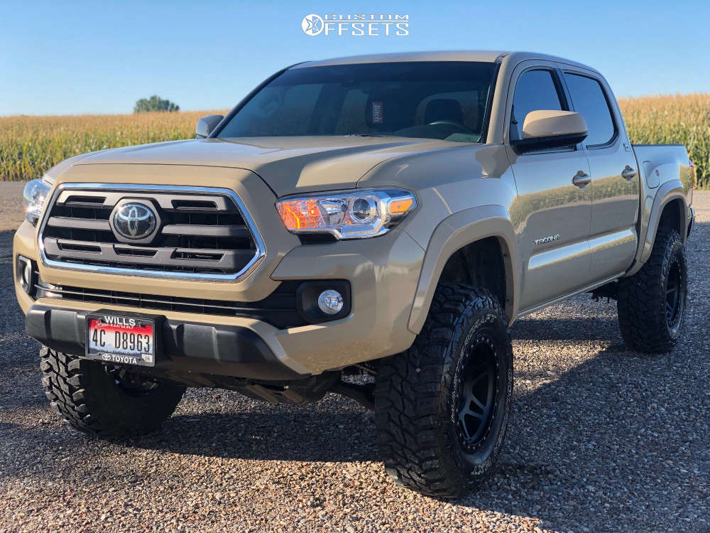 """2019 Toyota Tacoma Aggressive > 1"""" outside fender on 17x9 -12 offset Method Mr312 and 285/70 Mastercraft Courser MXT on Suspension Lift 3"""" - Custom Offsets Gallery"""