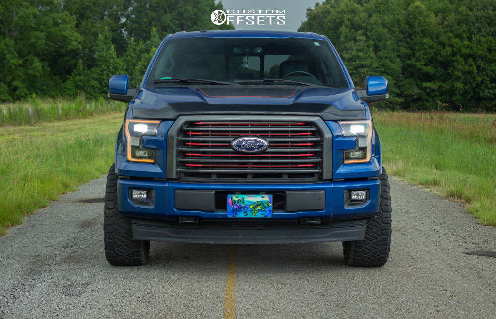 """2017 Ford F-150 Aggressive > 1"""" outside fender on 20x10 -24 offset Havok H112 and 285/55 Nitto Ridge Grappler on Leveling Kit - Custom Offsets Gallery"""