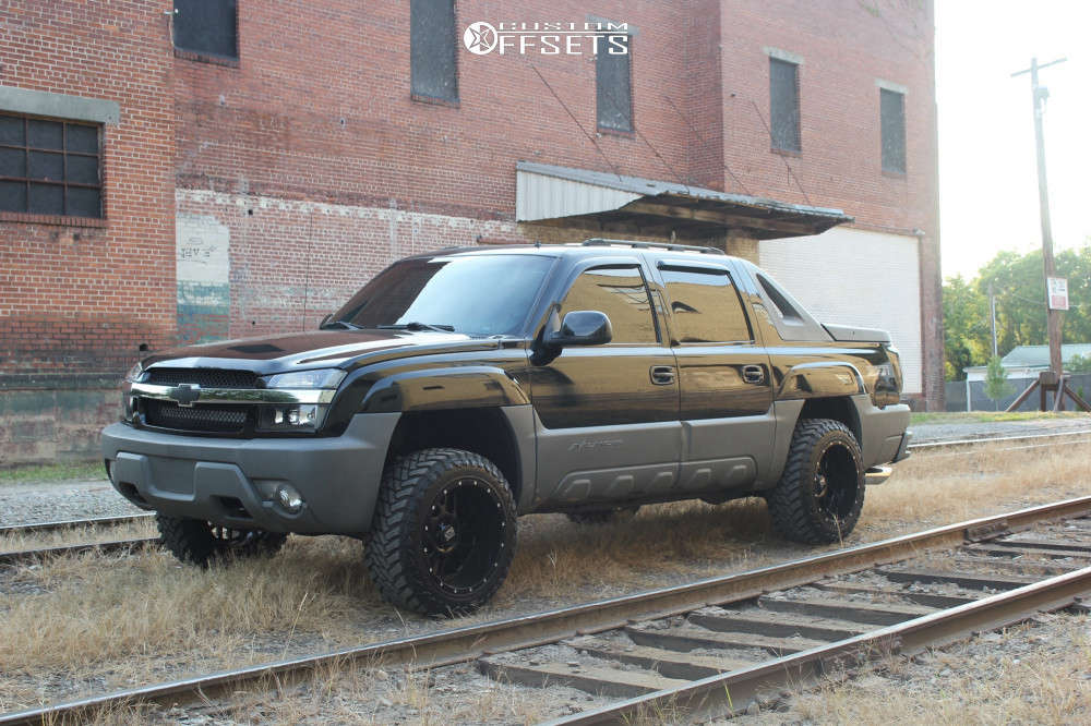 """2002 Chevrolet Avalanche 1500 Aggressive > 1"""" outside fender on 20x12 -44 offset XD Xd820 & 33""""x12.5"""" Atturo Trail Blade Mt on Leveling Kit - Custom Offsets Gallery"""