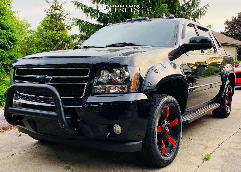 "2008 Chevrolet Avalanche Aggressive > 1"" outside fender on 20x10 -18 offset XD Xd811 & 275/55 Cooper Discoverer Ht Plus on Leveling Kit - Custom Offsets Gallery"