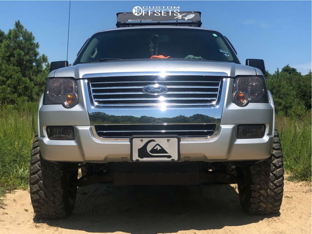 """2009 Ford Explorer Aggressive > 1"""" outside fender on 15x8 -19 offset Pro Comp Series 69 and 32""""x11.5"""" Maxxis Buckshot 2 on Suspension Lift 2.5"""" - Custom Offsets Gallery"""