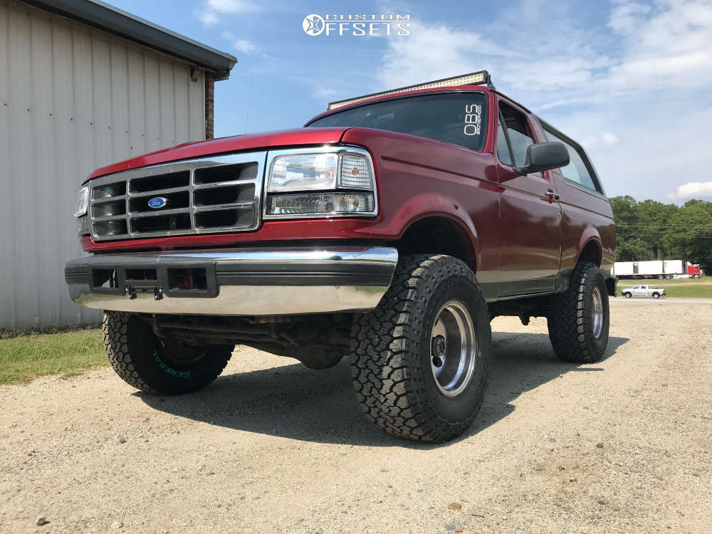 """1996 Ford Bronco Aggressive > 1"""" outside fender on 15x10 -47 offset Pro Comp Series 69 and 33""""x12.5"""" General Grabber Atx on Body Lift 3"""" - Custom Offsets Gallery"""