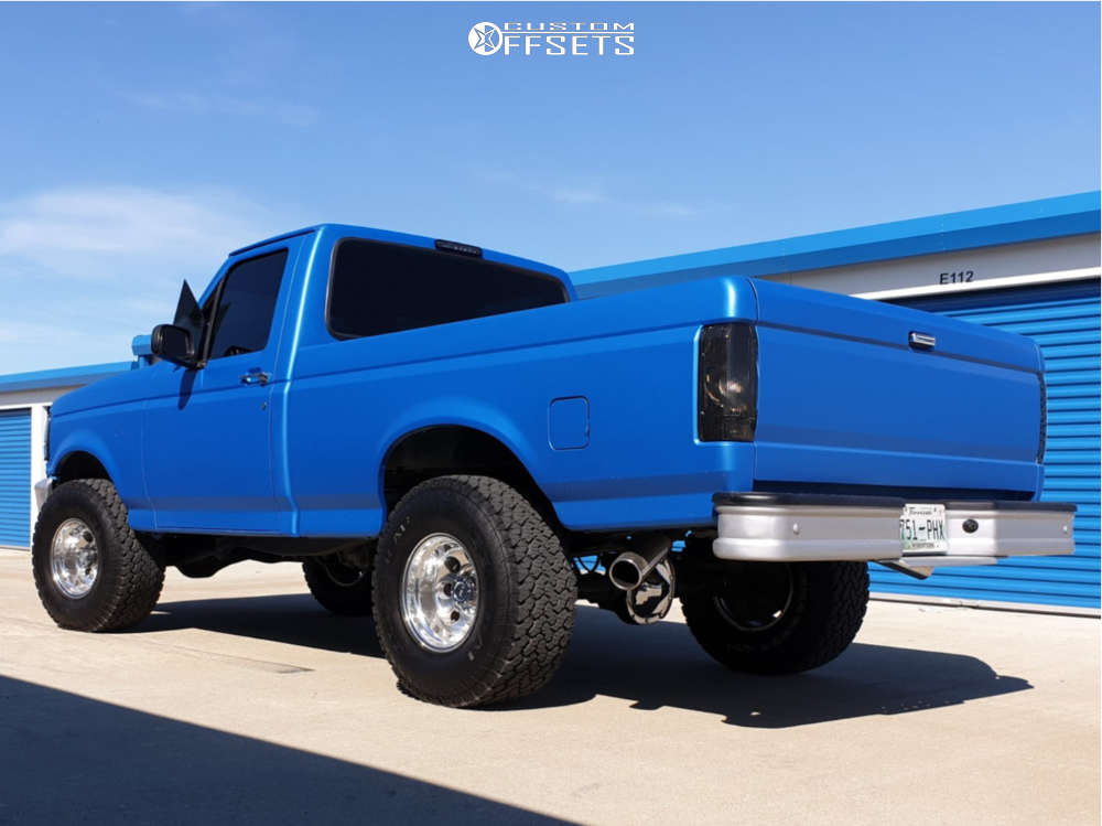 """1994 Ford F-150 Aggressive > 1"""" outside fender on 15x10 -47 offset Pro Comp Series 69 and 33""""x12.5"""" General Grabber At2 on Leveling Kit - Custom Offsets Gallery"""
