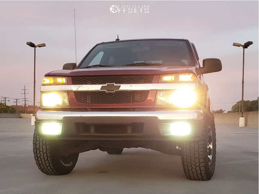"""2008 Chevrolet Colorado Aggressive > 1"""" outside fender on 15x7.5 -12 offset Vision Warrior & 31""""x10.5"""" Cooper Discoverer AT3 XLT on Suspension Lift 2.5"""" - Custom Offsets Gallery"""