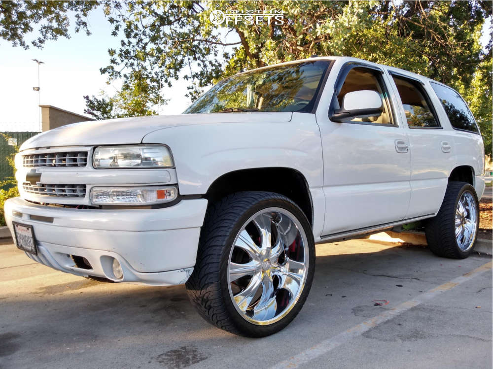 """2005 Chevrolet Tahoe Aggressive > 1"""" outside fender on 24x9.5 31 offset Velocity 750S and 305/35 Atturo Az800 on Leveling Kit - Custom Offsets Gallery"""