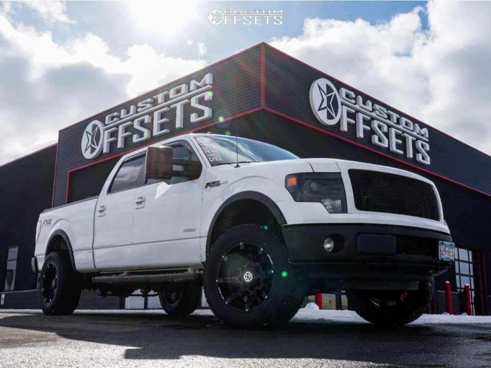 """2013 Ford F-150 Aggressive > 1"""" outside fender on 20x10 -24 offset Anthem Off-Road Defender and 305/55 Hankook Dynapro At-m on Suspension Lift 2.5"""" - Custom Offsets Gallery"""
