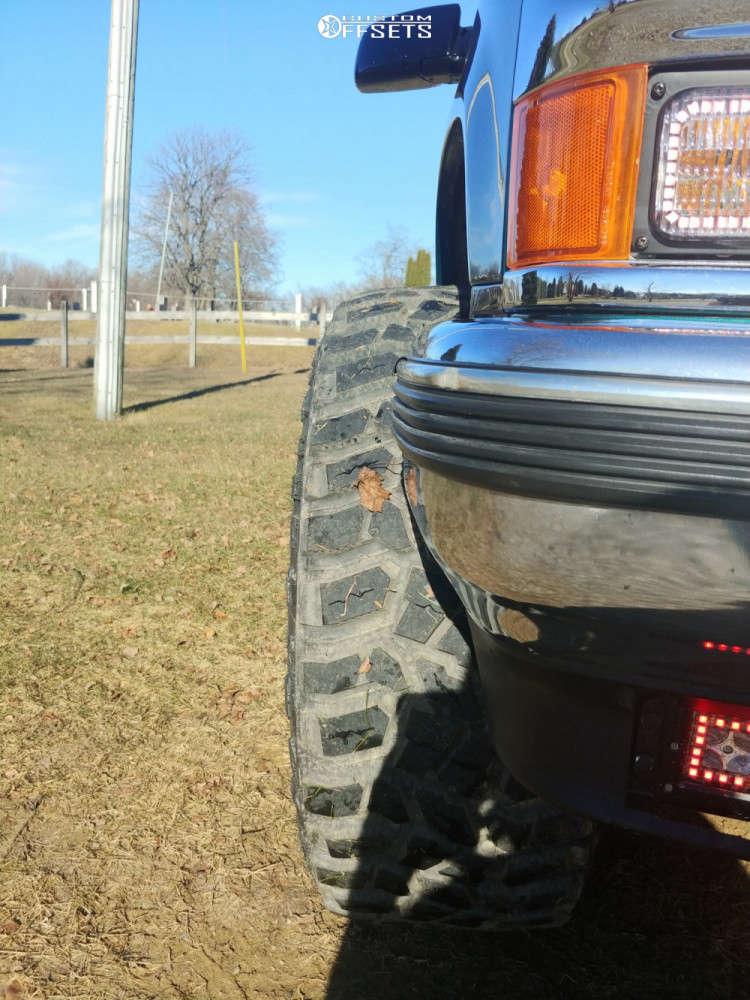 "1995 Chevrolet K1500 Aggressive > 1"" outside fender on 20x12 -44 offset Hostile Rage & 305/55 Cooper Discoverer Stt Pro on Suspension Lift 3"" - Custom Offsets Gallery"