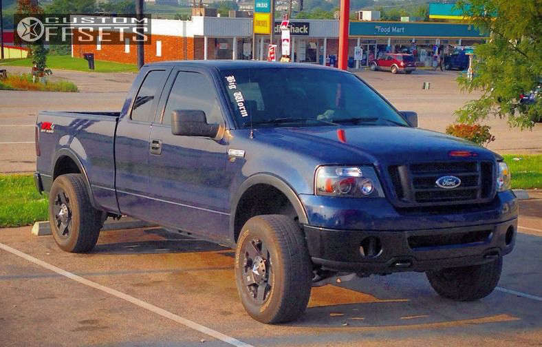 """2005 Ford F-150 Super Aggressive 3""""-5"""" on 18x9 0 offset XD Rockstar & 32""""x9.5"""" Michelin LTX A-T2 on Leveling Kit - Custom Offsets Gallery"""