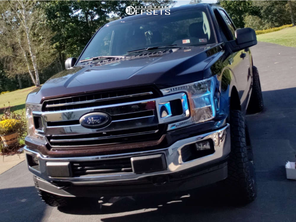 """2018 Ford F-150 Aggressive > 1"""" outside fender on 20x10 -25 offset ARKON OFF-ROAD Lincoln and 275/60 Nitto Ridge Grappler on Leveling Kit - Custom Offsets Gallery"""