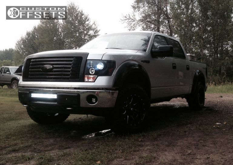 """2011 Ford F-150 Aggressive > 1"""" outside fender on 18x9 -12 offset Fuel Maverick & 33""""x11.5"""" Goodyear Wrangler Duratrac on Leveling Kit - Custom Offsets Gallery"""