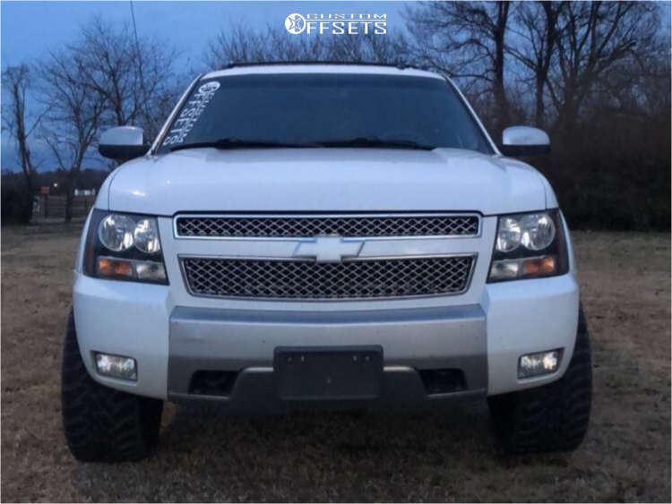 """2008 Chevrolet Avalanche Aggressive > 1"""" outside fender on 22x10 -25 offset Dropstars 654mb & 33""""x12.5"""" Toyo Tires Open Country M/T on Leveling Kit - Custom Offsets Gallery"""