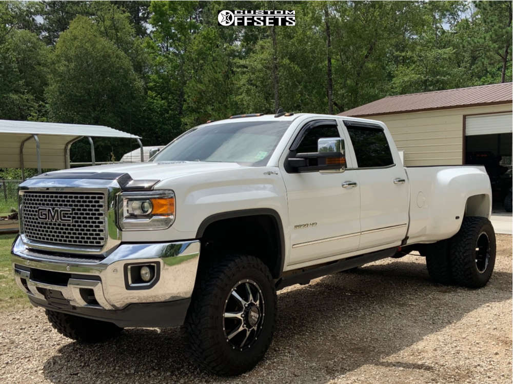 "2016 GMC Sierra 3500 HD Aggressive > 1"" outside fender on 20x8.25 -198 offset Moto Metal Mo995 and 37""x12.5"" Toyo Tires Open Country M/T on Suspension Lift 5.5"" - Custom Offsets Gallery"