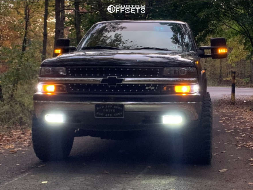 """2001 Chevrolet Silverado 1500 Aggressive > 1"""" outside fender on 20x12 -44 offset Anthem Off-Road Equalizer & 33""""x12.5"""" Treadwright The Claw on Body Lift 3"""" - Custom Offsets Gallery"""