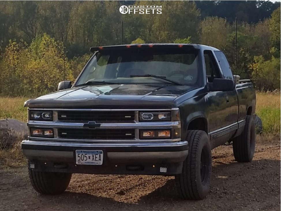 "1997 Chevrolet K1500 Aggressive > 1"" outside fender on 15x10 -44 offset Cragar 315 & 32""x11.5"" Michelin Defender Ltx M/s on Air Suspension - Custom Offsets Gallery"