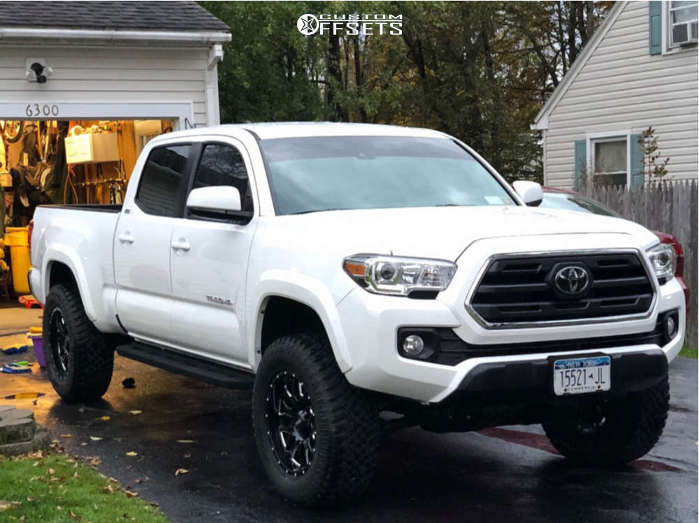2019 Toyota Tacoma Slightly Aggressive on 18x9 -12 offset Ultra Hunter & 275/70 Atturo Trail Blade Xt on Leveling Kit - Custom Offsets Gallery