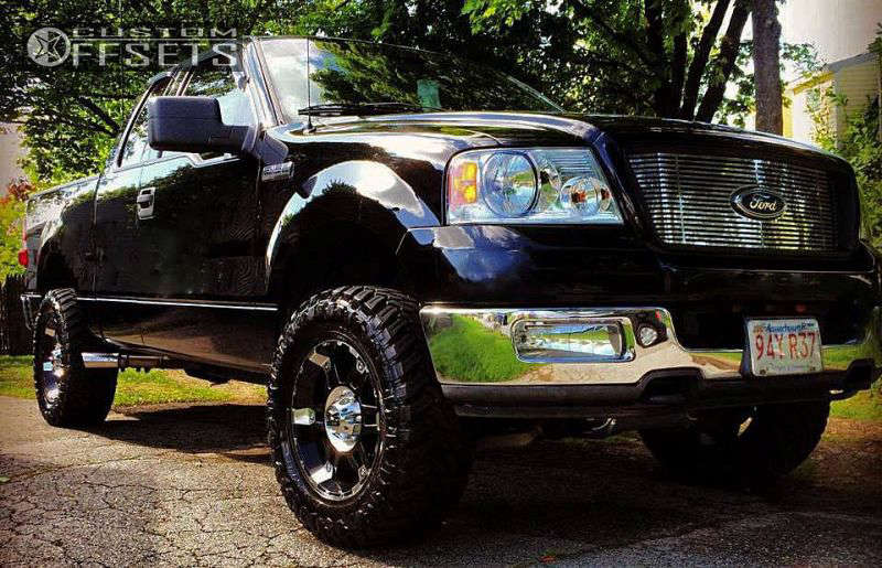"""2004 Ford F-150 Aggressive > 1"""" outside fender on 18x9 -12 offset XD Spy & 33""""x12.5"""" Atturo Trail Blade MT on Leveling Kit - Custom Offsets Gallery"""