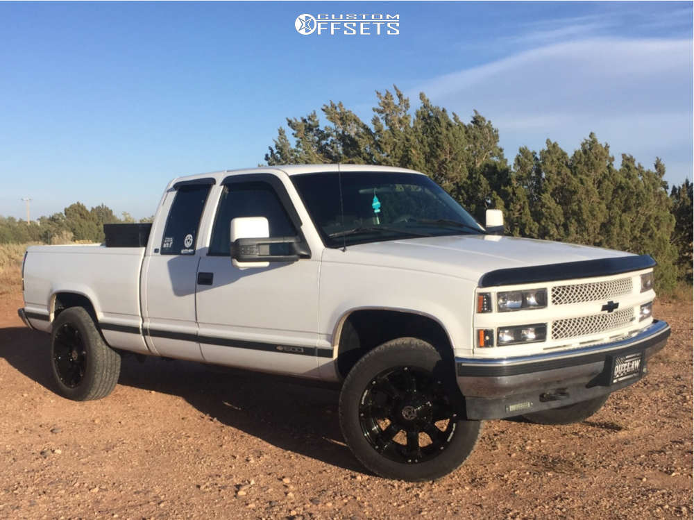 "1999 Chevrolet K1500 Aggressive > 1"" outside fender on 20x10 -24 offset Anthem Off-Road Defender & 275/55 Goodyear Wrangler Sr-a on Leveling Kit - Custom Offsets Gallery"