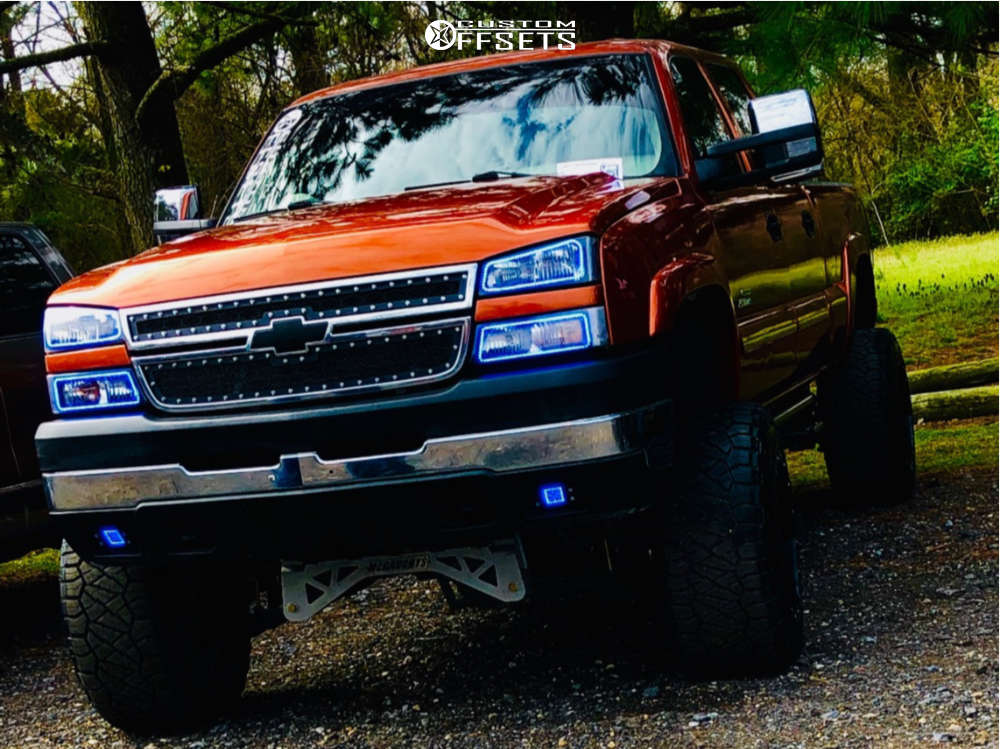 """2007 Chevrolet Silverado 2500 HD Classic Aggressive > 1"""" outside fender on 20x14 -76 offset Fuel Hostage & 35""""x13.5"""" Nitto Ridge Grappler on Suspension Lift 9"""" - Custom Offsets Gallery"""