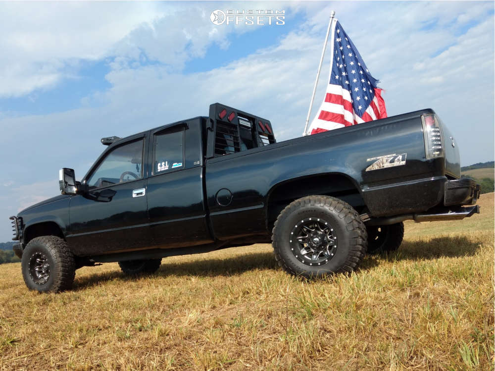 """1991 Chevrolet K1500 Aggressive > 1"""" outside fender on 15x10 -43 offset Fuel Lethal & 32""""x11.5"""" BFGoodrich Mud Terrain T/a Km2 on Stock Suspension - Custom Offsets Gallery"""