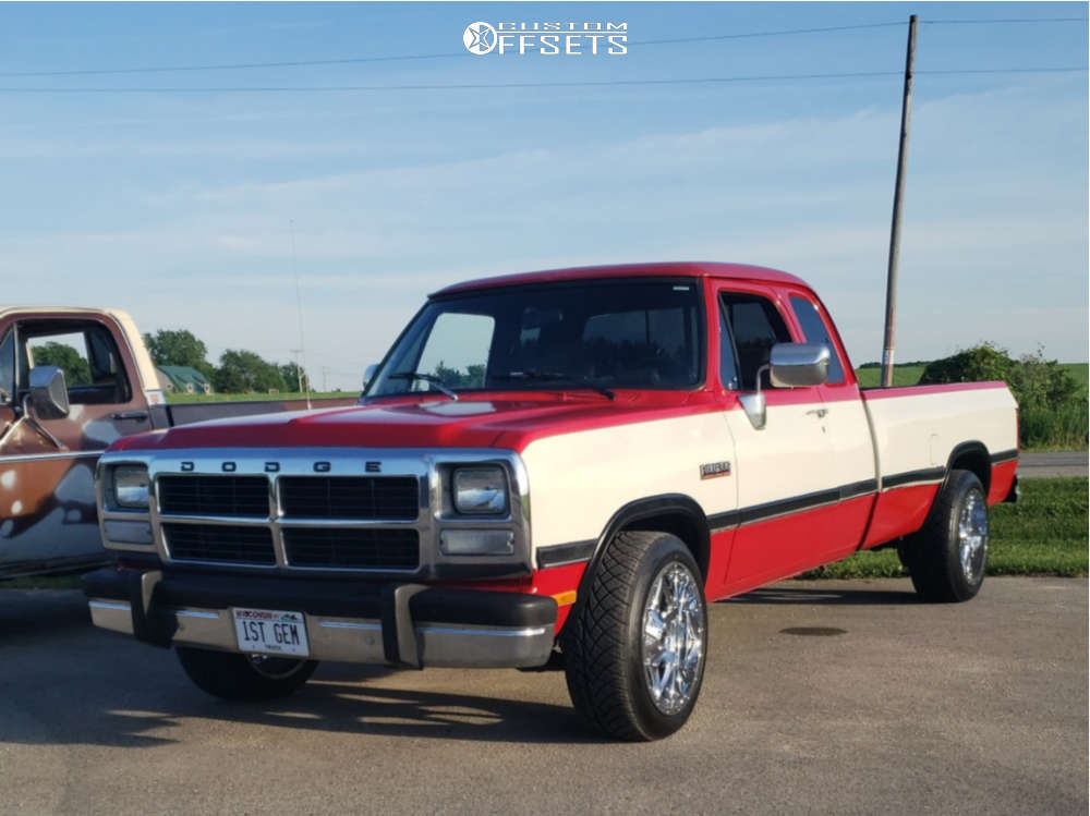 1992 Dodge D250 Slightly Aggressive on 20x10 -24 offset Fuel Maverick D536 & 285/45 Nitto Nt420s on Stock Suspension - Custom Offsets Gallery