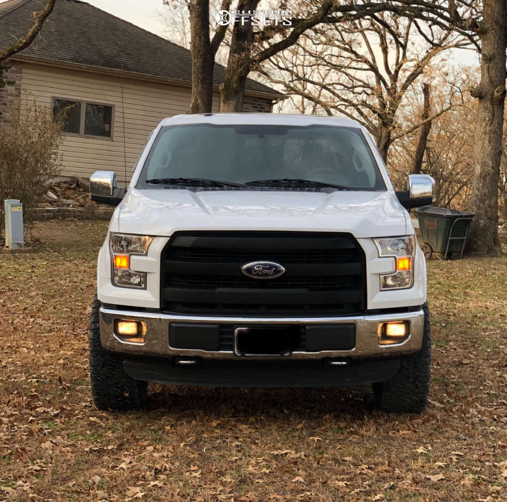 """2015 Ford F-150 Aggressive > 1"""" outside fender on 20x9 1 offset Fuel Assault and 305/55 BFGoodrich All Terrain Ta Ko2 on Leveling Kit - Custom Offsets Gallery"""