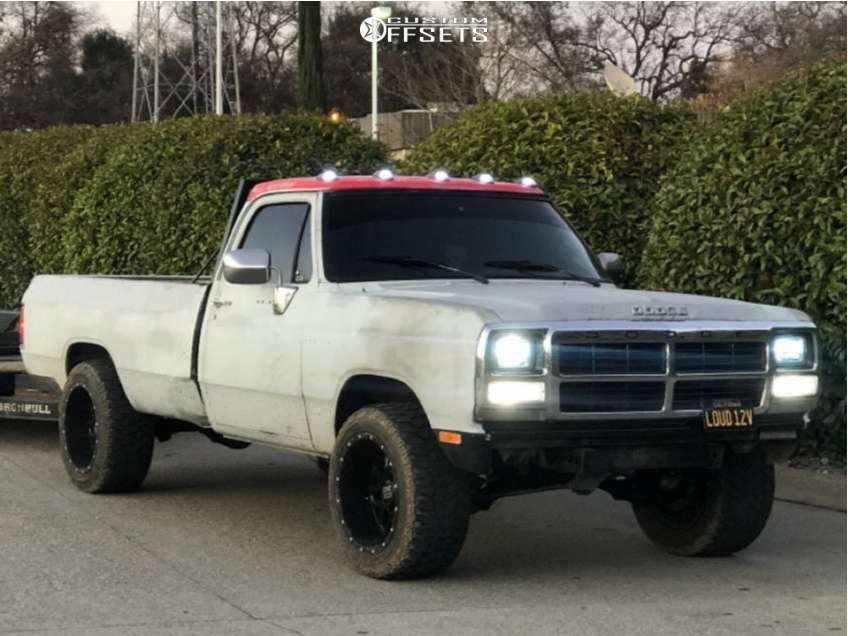 """1989 Dodge D350 Aggressive > 1"""" outside fender on 20x12 -44 offset XD Xd820 & 33""""x12.5"""" Aptany RM105 M/T on Stock Suspension - Custom Offsets Gallery"""