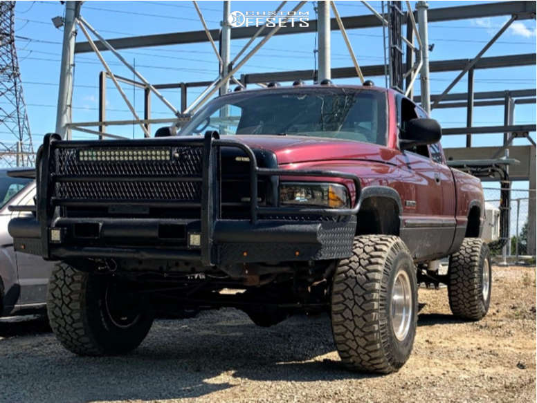 """2001 Dodge Ram 2500 Super Aggressive 3""""-5"""" on 16x12 -50 offset Mickey Thompson Classic Iii and 315/75 Mickey Thompson Deegan 38 on Leveling Kit - Custom Offsets Gallery"""