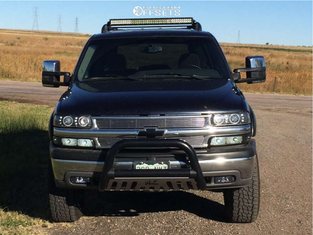 """2005 Chevrolet Tahoe Aggressive > 1"""" outside fender on 17x8.5 0 offset Weld Racing Renegade & 285/70 Nitto Terra Grappler G2 on Suspension Lift 3"""" - Custom Offsets Gallery"""