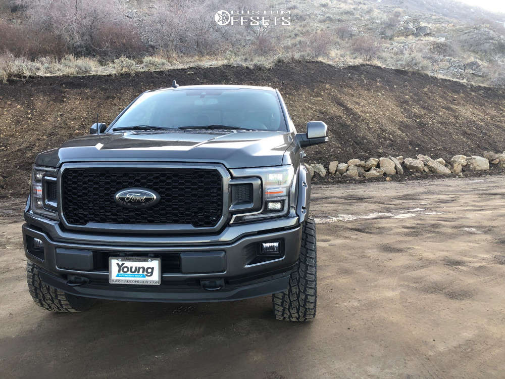 """2020 Ford F-150 Aggressive > 1"""" outside fender on 20x10 -18 offset Fuel Assault & 33""""x12.5"""" Toyo Tires Open Country A/t Ii on Suspension Lift 4"""" - Custom Offsets Gallery"""