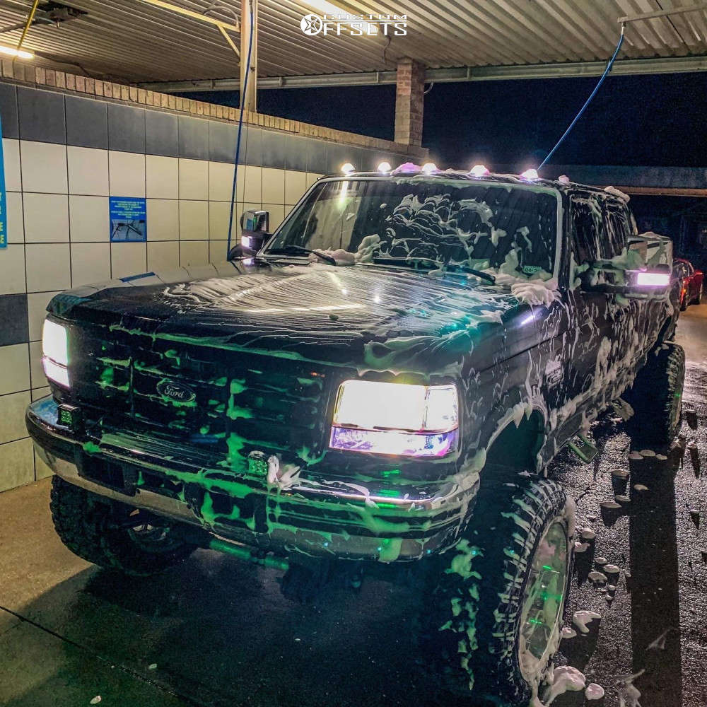 """1996 Ford F-250 Super Aggressive 3""""-5"""" on 22x14 -76 offset Fuel Forged Ff29 and 35""""x15.5"""" Fury Offroad Country Hunter Mt on Suspension Lift 5.5"""" - Custom Offsets Gallery"""
