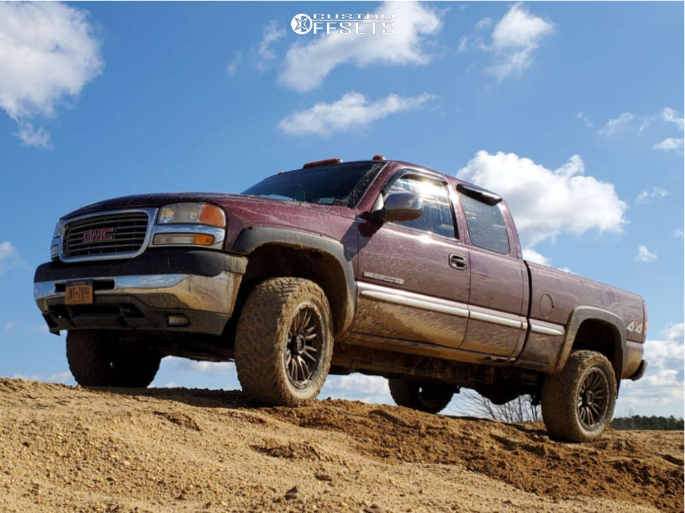 """2003 GMC Sierra 2500 Aggressive > 1"""" outside fender on 20x9 1 offset Fuel Rebel & 33""""x12.5"""" Fuel Mud Gripper on Stock Suspension - Custom Offsets Gallery"""