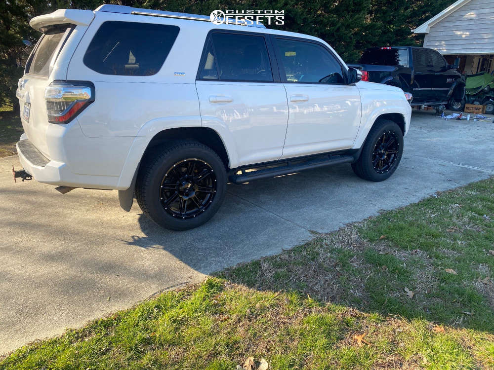 2018 Toyota 4Runner Flush on 20x9 0 offset Helo He900 and 265/50 Atturo Az610 on Stock Suspension - Custom Offsets Gallery