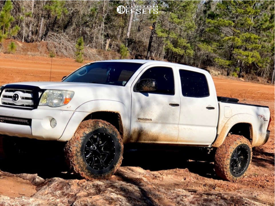 """2007 Toyota Tacoma Aggressive > 1"""" outside fender on 18x10 -24 offset Moto Metal Mo970 and 275/65 Atturo Trail Blade Mt on Leveling Kit - Custom Offsets Gallery"""