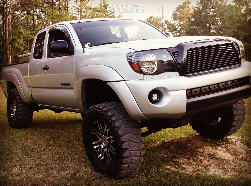 """2007 Toyota Tacoma Aggressive > 1"""" outside fender on 17x8 0 offset Helo He835 and 33""""x12.5"""" Nitto Mud Grappler on Suspension Lift 6"""" - Custom Offsets Gallery"""
