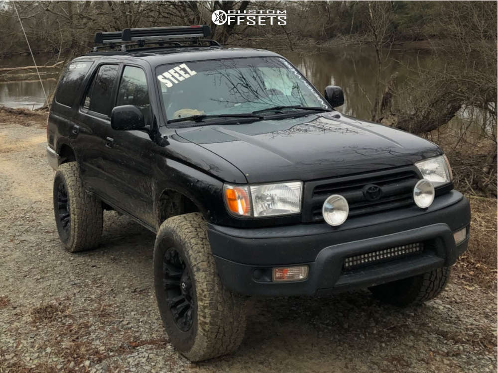 """2000 Toyota 4Runner Aggressive > 1"""" outside fender on 17x9 12 offset Fuel Vapor and 285""""x70"""" Toyo Tires Open Country A/t Ii on Suspension Lift 3.5"""" - Custom Offsets Gallery"""