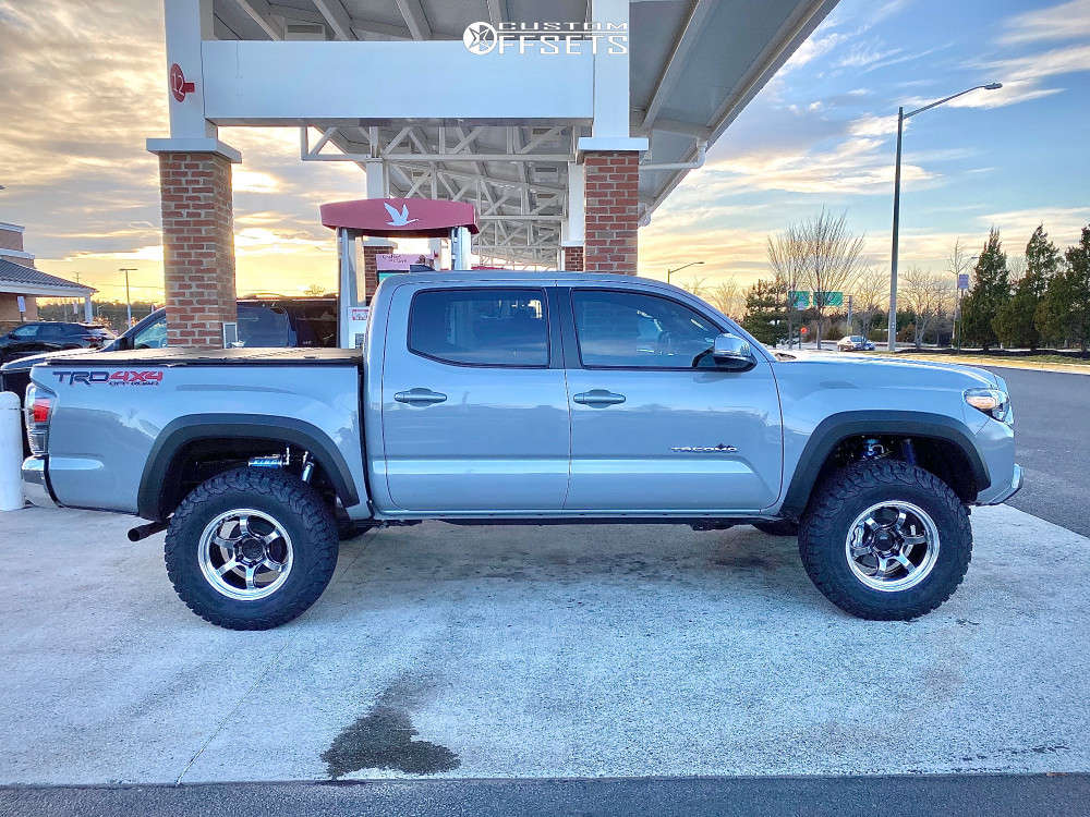 """2020 Toyota Tacoma Aggressive > 1"""" outside fender on 17x9 35 offset Advan Racing Rg-d2 and 305/65 BFGoodrich All Terrain Ta Ko2 on Suspension Lift 2.5"""" - Custom Offsets Gallery"""