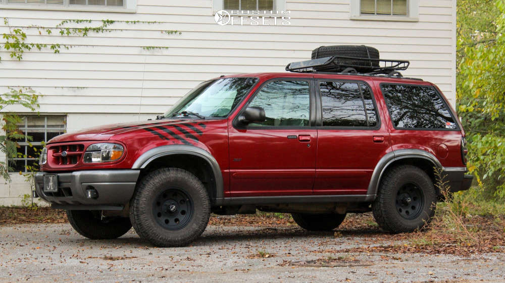 """2000 Ford Explorer Nearly Flush on 15x7 -6 offset American Racing Baja and 31""""x10.5"""" Pro Comp At Sport on Leveling Kit - Custom Offsets Gallery"""
