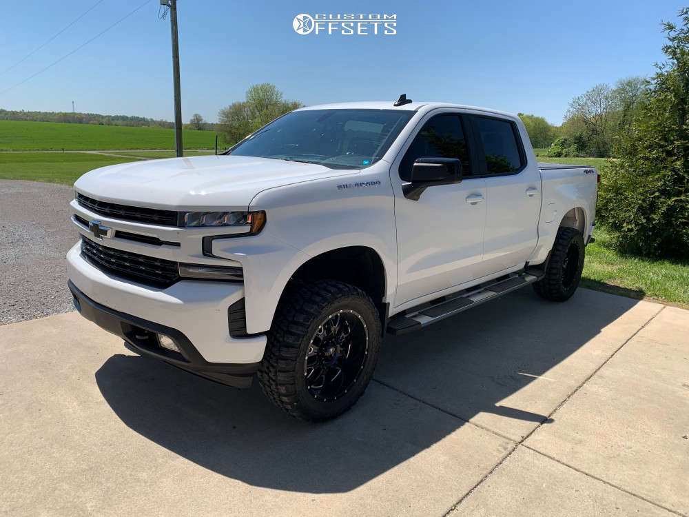 """2020 Chevrolet Silverado 1500 Aggressive > 1"""" outside fender on 20x9 -12 offset Ultra Hunter and 33""""x12.5"""" Federal Couragia Mt on Suspension Lift 3"""" - Custom Offsets Gallery"""