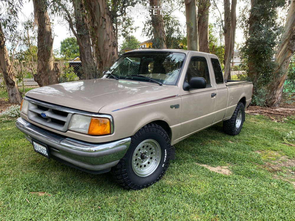 """1996 Ford Ranger Nearly Flush on 15x7 -6 offset American Racing Outlaw Ii and 31""""x10.5"""" Mickey Thompson Deegan 38 on Leveling Kit - Custom Offsets Gallery"""